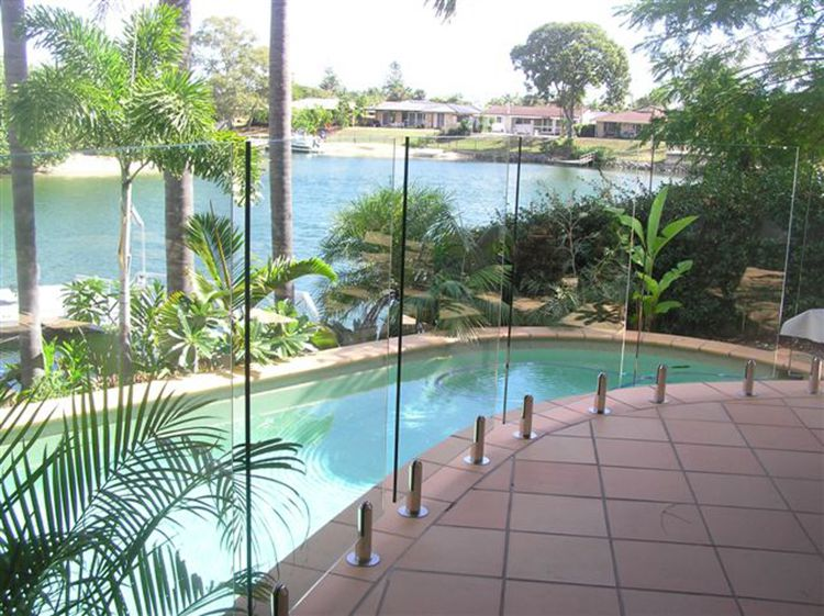 Tempered Glass for Swimming Pools