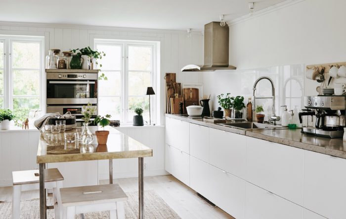 Tour Annika's modern family home in a traditional farmhouse in Sweden